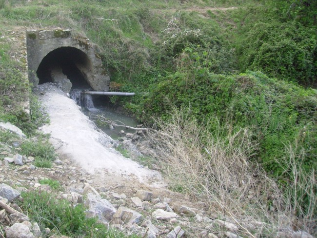 Izquierda Unida denuncia el vertido de aguas residuales en El Tiemblo y pide una actuación inmediata